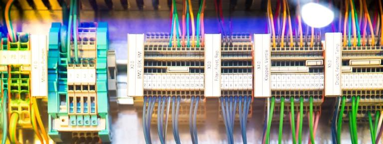 Read more about the article Pourquoi faire appel à CICEA-OCE pour inspecter vos installations électriques ?